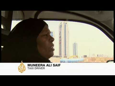 Women taxi drivers face bumpy road in Bahrain - 26 Apr 09