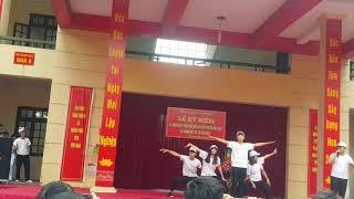 Nhảy hiện đại Lạc trôi - Cò lả - Bánh trôi nước - 12A8 - THPT Đan Phượng