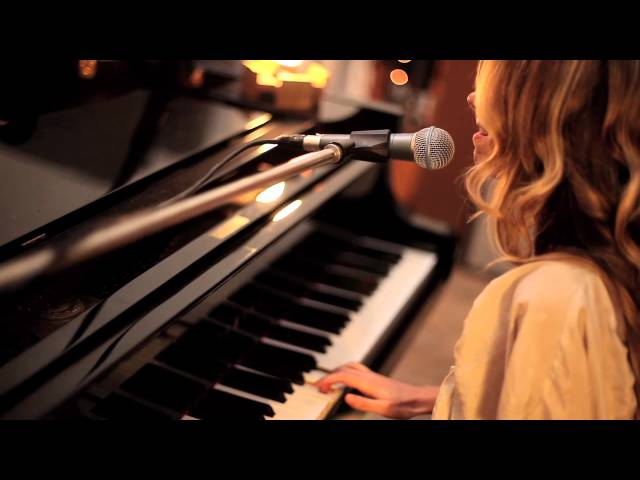 Athena Andreadis - I'll Never Know (Live video) - Peeling Apples