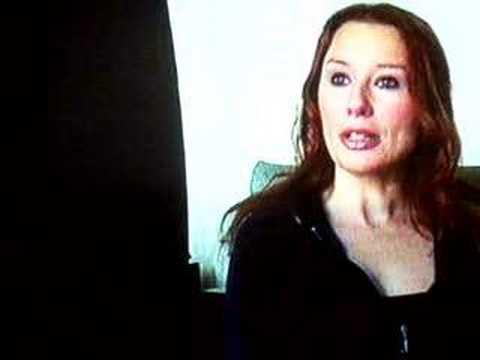 Tori Amos tv show miscarriage interview on UK tv 2002