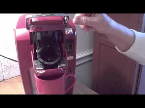 Single Cup Coffee Maker Cleaner : Parents Cleaning One Cup Keurig Mini Plus Coffee Maker - YouTube