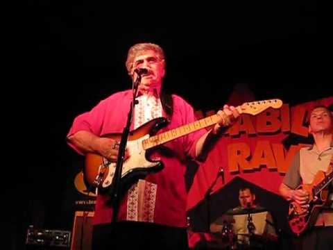 CARL MANN live 2009 13th Rockabilly Rave Baby I don't care
