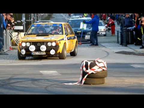 Wyścigi Uliczne-Street Racing W Częstochowie Pod Jasną Górą