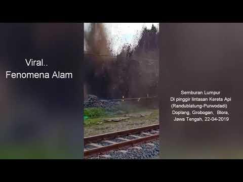 Viral..Semburan Lumpur di Pinggir Lintasan Kereta Api (Randublatung-Purwodadi), Blora, Jawa Tengah