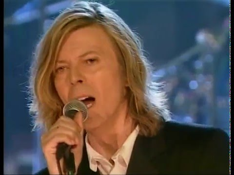 David Bowie – Ashes To Ashes (Live BBC Radio Theatre 2000)