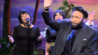 Watch Andrae Crouch Bless The Lord video