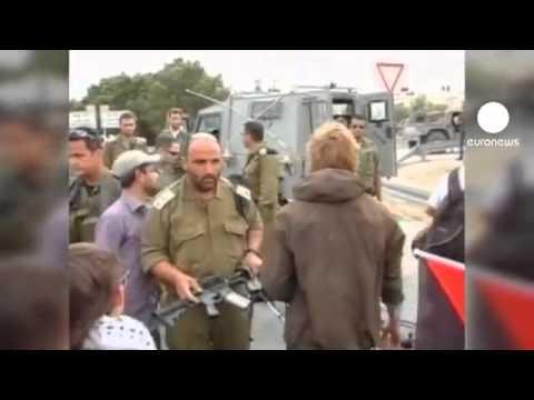 Israël : un militaire suspendu pour avoir frappé un militant pro-palestinien.