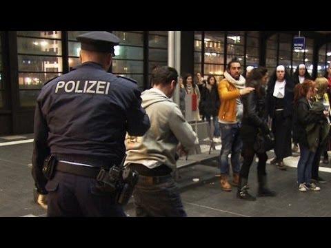 Die Nacht ist nicht zum Schlafen da: 24 Stunden Berliner Hauptbahnhof