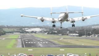 Super Constellation - Fly by & Landing