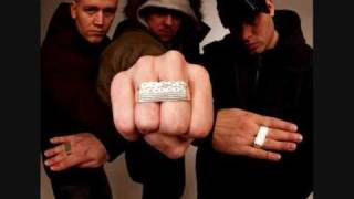 Watch Hilltop Hoods The Calling video