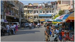Walking in Phnom Penh ( Cambodia )