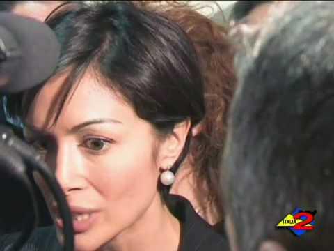 Italia 2 Tv 15-2-2010 Interviste per la candidatura di Stefano CALDORO II.mp4