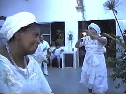 Mae Iemanja bailando