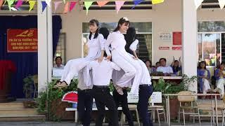 Múa bài Đứa Bé 12c3 Trường THPT Nguyễn Công Trứ (Đức Hòa - Long An )