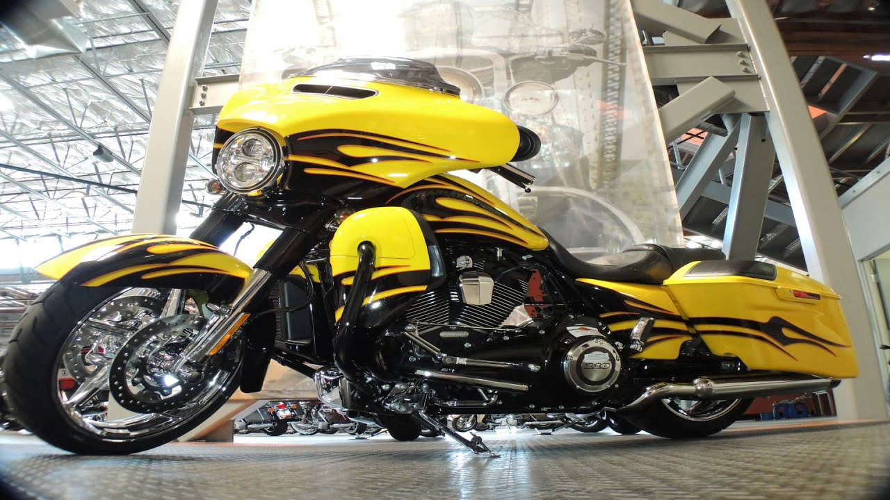 Harley-Davidson FLHXSE CVO Street Glide (ฮาร์เล่ย์ เดวิดสัน เอฟแอลเอชเอ็กซ์เอสอี ซีวีโอ สตรีท ไกลด์) maxresdefault