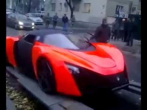 Российский спорткар Marussia в Киеве