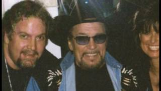 Download Lagu The making of The Last Recordings of Waylon Jennings with footage of Waylon perfoming in studio. Gratis STAFABAND