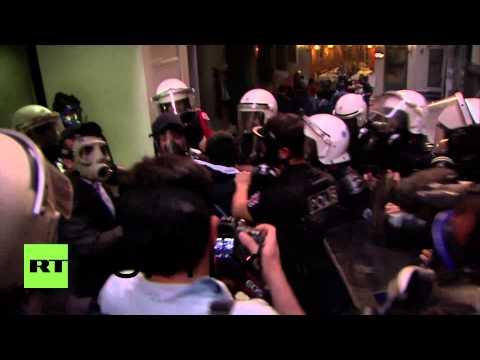 Turkey: Police smash Soma mine disaster march