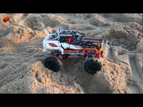 LEGO 9398, 4x4 Crawler Review (Sand Crawling - Bonus Video)