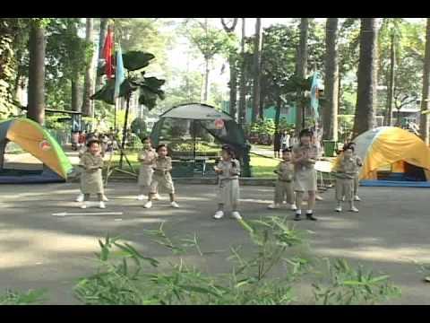 Múa Dân Vũ chicken Dance - Anh (nhóm Tiểu Sao 2) video