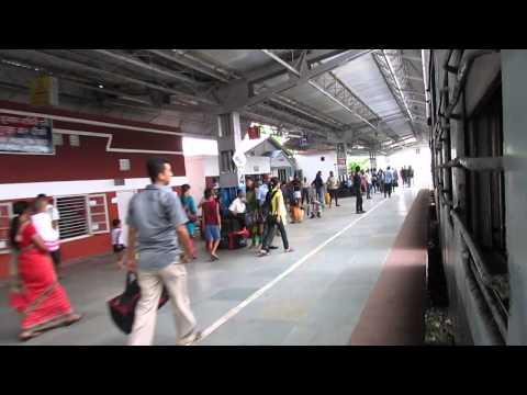 55904 Mariani Jn-Dimapur passenger entering Jorhat town railway station!