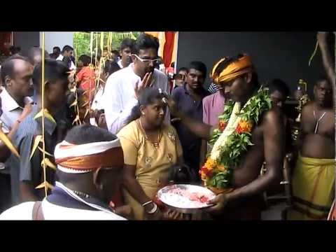 Mathurai Veeran Dance  Muar Kaliamman Festival 2011 video