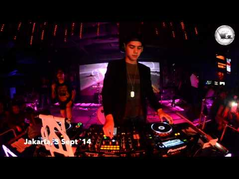 V2 Club Jakarta Dj Al Ghazali  3 September 2014 video