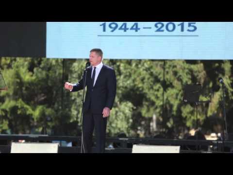 CO S MIGRANTY? - Robert Fico na oslavě SNP, 29. 8. 2015