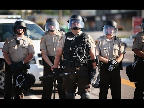 Why doesnt Fergusons police force reflect the community?