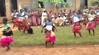 Uganda - Luganda Traditional Dance