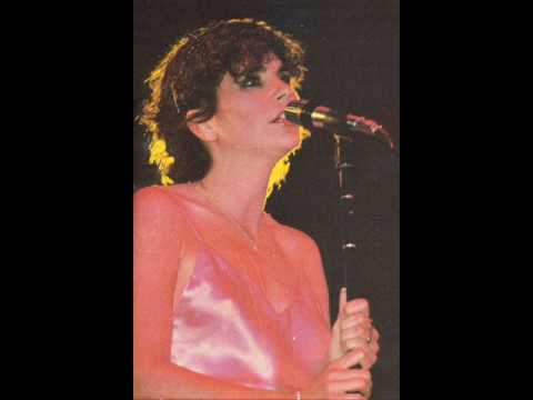 Linda Ronstadt - The Moon Is A Harsh Mistress