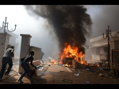 Burkina Faso, Violent Protests Against Plan to Extend Leader's Rule