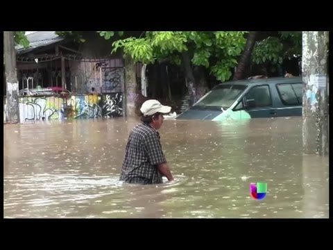 Dos tormentas tropicales azotan a México al mismo tiempo - Noticiero Univisión