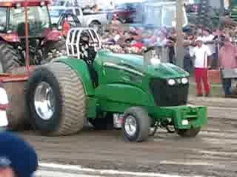 John Deere super stock tractor pull @ Washington County Fair John Raymond Video