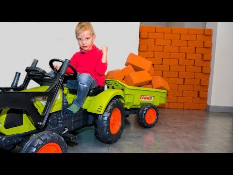 BABY ЗАСТРОИЛ стену в доме!!! Unboxing And Assembling The POWER Wheel Ride On Tractor Buldozer!