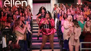 Download lagu Lizzo Gets the Audience on Their Feet with 'Juice'