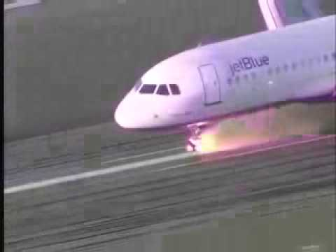 accidente rueda avion aterrizando Music Videos
