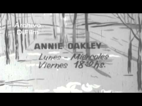 """DiFilm - Placa fija con los horarios de la serie """"Annie Oakley"""" 1957 thumbnail"""