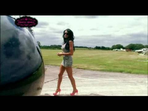 Pee in a cup or behind a bush? - Katie Price aka Jordan Video