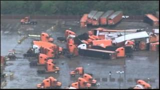 Lốc xoáy tấn công nước Mỹ