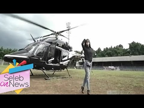 download lagu Syahrini Ajak Pemenang Undia Naik Helikopter  - Seleb On News 11/12 gratis