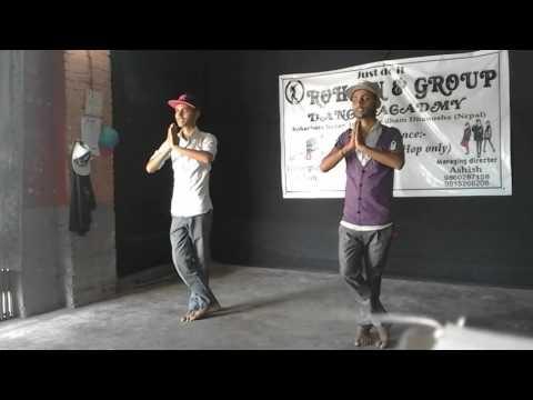 Best dance in hip-hop mix on bhakti songs.dedicate by god hanuman ji..by guddu &ram