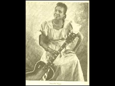 Memphis Minnie - Ain't No Use Trying To Tell On Me