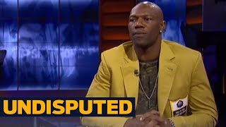 Skip Bayless challenges Terrell Owens for being divisive and disruptive | UNDISPUTED