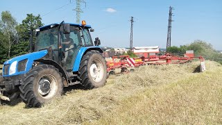 Seno 2015 Traktory New Holland