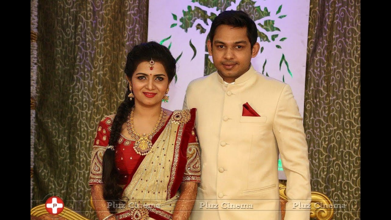 Vijay tv anchor dd marriage albums