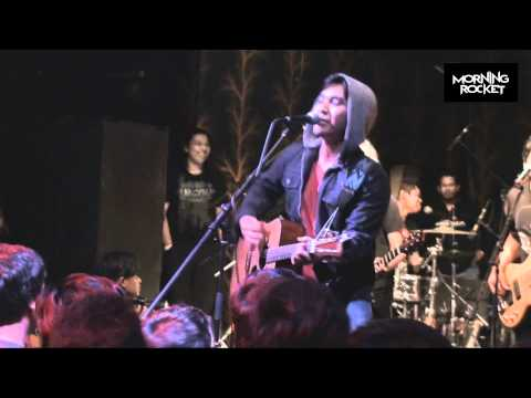 Awi Rafael - Pulanglah LIVE at Sunday Afternoon Jam