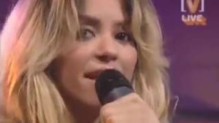 Shakira Underneath you clothes - live