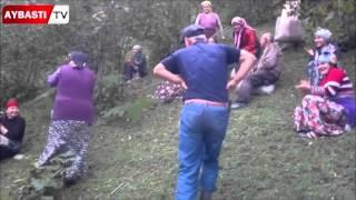 Download Lagu Fındık Bahçesinde Fındık Toplamayı Bırakıp Oyun Oynayan Çift Gratis STAFABAND