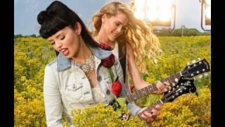 Watch Janedear Girls Wildflower video